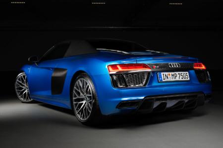 Audi_R8_Spyder_V10_Carphotography_Larsen_Back