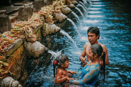 Bali, Indonesien, indonesia, travel, reisen, larsen, fernweh, wanderlust, tempel, holy water