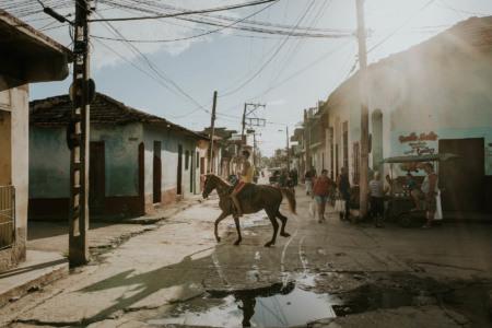 Cuba, Kuba, cigar, smoke, fire, travel, reisen, larsen, fernweh, wanderlust, trinidad, horse, pferd